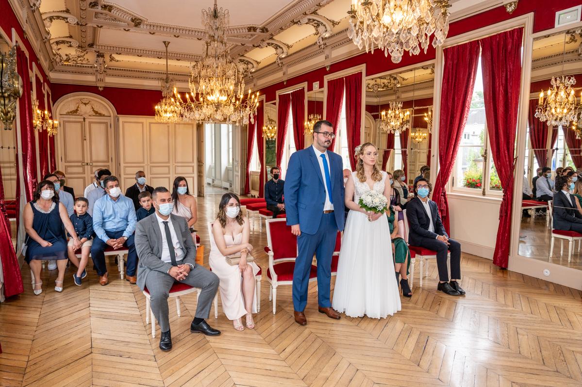 Photographe et vidéaste de mariage dans le Val de Marne : Cérémonie à la mairie de Maison Alfort