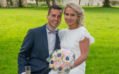 Photographe de mariage en Ile de France : Photos de couple au Manoir de Beaumarchais